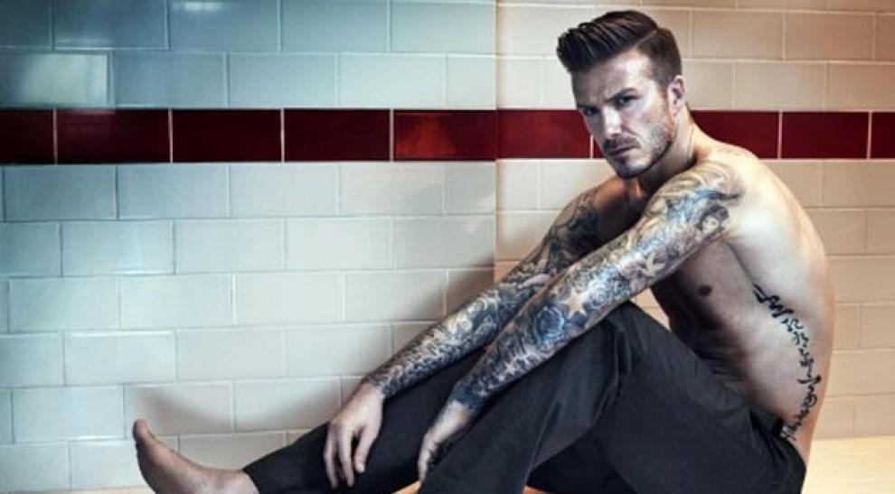 Un numero per festeggiare l'amore. Il nuovo tattoo di Beckham è dedicato a Victoria - Spettacoli - Repubblica.it