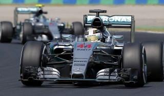 F1, Gp Ungheria: Hamilton domina le libere, Ferrari in ritardo. Paura per Perez