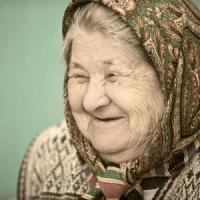 Longevità, perché le donne vivono più a lungo degli uomini?