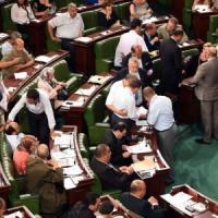 Tunisia, sì a nuova legge antiterrorismo. Critiche: può imbavagliare oppositori