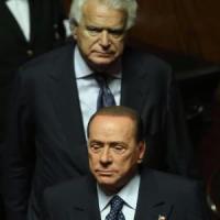 """Berlusconi sull'addio di Verdini: """"Meglio soli che male accompagnati"""". E attacca Salvini"""