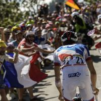 Tour de France, lo spettacolo dell'Alpe d'Huez
