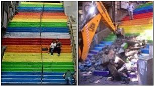 Ruspe sulle scale arcobaleno demolito simbolo di Gezi Park
