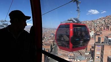 9 linee e 30 chilometi con vista dall'alto A La Paz la prima metropolitana dei cieli