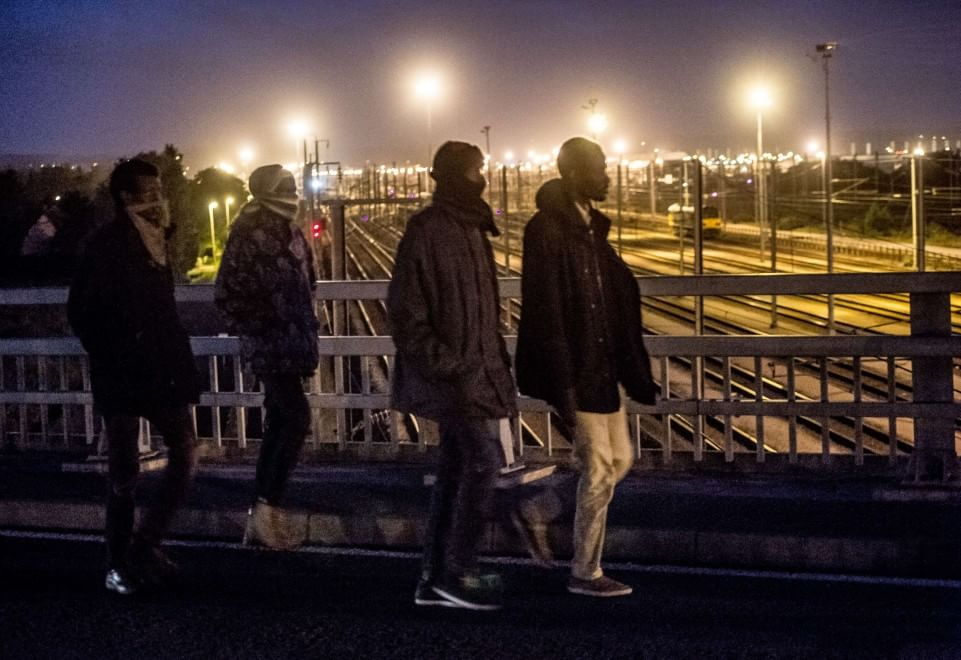 Francia: assalto dei migranti all'Eurotunnel, un morto