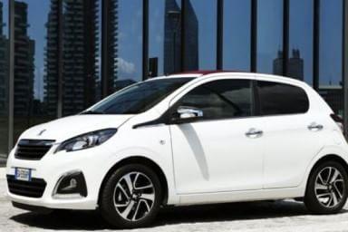 Peugeot 108 va in tour: è l'estate del Car-aoke