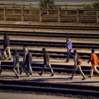 Emergenza migranti, tentano di raggiungere il Regno Unito dalla Francia: morti due...