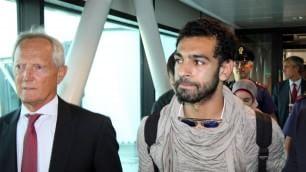 E' arrivato Mohamed Salah Centinaia di tifosi a Fiumicino