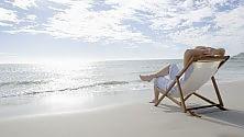 Bagni di sole, i consigli per preparare al meglio  la pelle di viso e corpo