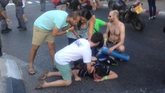 Sei accoltellati al Gay Pride di Gerusalemme. Arrestato ultra-ortodosso: colpì anche 10 anni fa