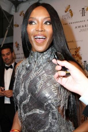 Naomi Campbell condannata per aver aggredito un paparazzo