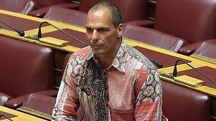 Varoufakis e la politica del look camicia bizzarra in Parlamento    Ft  Formigoni su Twitter: 'Mi copia'