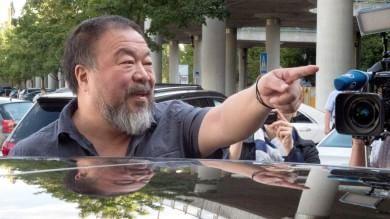 La Gran Bretagna fa marcia indietro  sì a visto per dissidente cinese Ai Weiwei