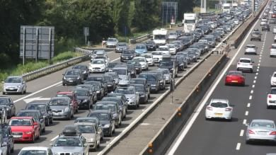 Vacanze, primo grande esodo d'agosto giornata difficile sulle strade  Traffico
