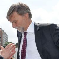 """Graziano Delrio: """"Da scioperi e low cost danni enormi a chi viaggia, servono leggi nuove"""""""