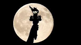 Luna Blu, spettacolo nel mondo   Video  Spunta gigante in Colorado