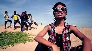 """La rapper sfida la multinazionale """"Ripulisci le acque dal mercurio"""""""