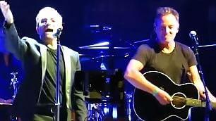 Gli U2 e il Boss, show a New York Bono duetta con Springsteen