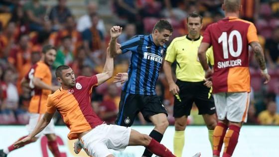 Inter sconfitta anche dal Galatasaray: decide l'ex Sneijder