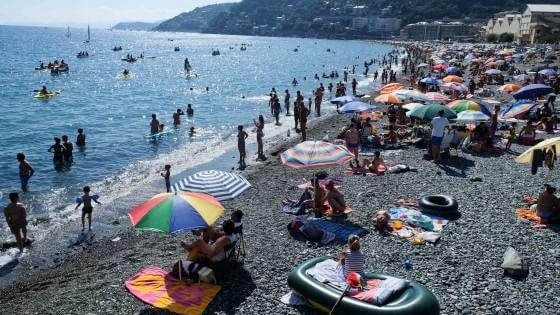 Se la vacanza racconta le nostre origini: popoli in ferie, alla ricerca della felicità