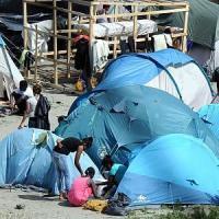 Migrante muore soffocato in valigia su traghetto per la Spagna. Linea dura