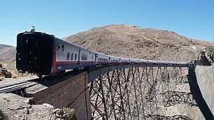 """Viaggiare in treno con brivido    le ferrovie più """"audaci"""" del mondo"""