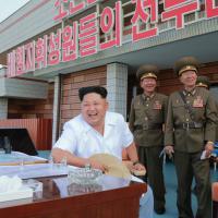 Kim Jong-Un, cambio di stile: il look è casual