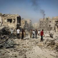 Siria, jet regime cade su città al confine con Turchia, è strage. Obama ok a raid anche...