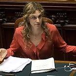 """La riforma della PA è legge sì del Senato con 145 voti Renzi: """"Un abbraccio ai gufi"""""""