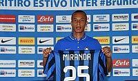 """Miranda: """"Puntiamo alla Champions"""" Vidic si opera, fuori quattro mesi"""