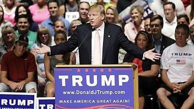 Il ciclone Trump infiamma l'America Così il magnate fa tremare i Bush