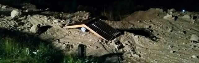 Frana in Cadore, auto travolte: tre morti   foto   tratta in salvo la moglie di una vittima   foto