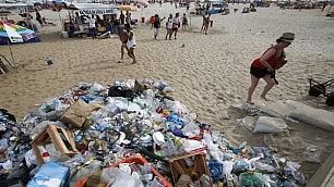 Altro che vacanze al mare le spiagge da incubo nel mondo