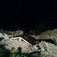 Frana in Cadore, auto travolte in un parcheggio: tre morti