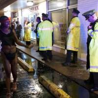 Ferguson, decretato lo stato d'emergenza. La polizia spara a Indianapolis: ucciso 15enne afroamericano