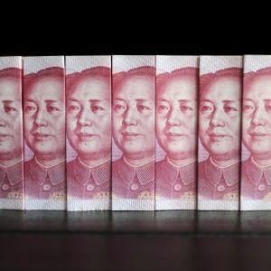 La Cina svaluta ancora lo yuan Borse pesanti: crolla il petrolio