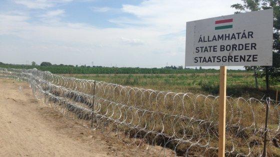 """E l'Ungheria ha già alzato il suo muro: """"Mai più un profugo nei nostri confini"""""""