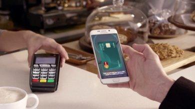 """Samsung, ecco l'S6 Edge+    Foto       e con """"Pay"""" si può fare la spesa"""