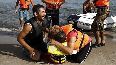 Migliaia in arrivo a Kos, traghetti e navi  come centri d'accoglienza  foto