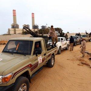 Ancora orrore in Libia, l'Is decapita 12 combattenti a Sirte e crocifigge i corpi
