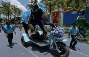 E l'elefante sale in moto