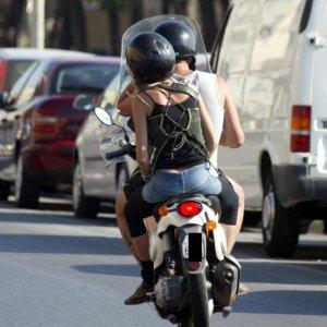 Codice della strada novit per i motorini ora in due for Codice della strada biciclette da corsa