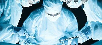 Un 'piccolo' cuore bionico  salva il giovane già trapiantato