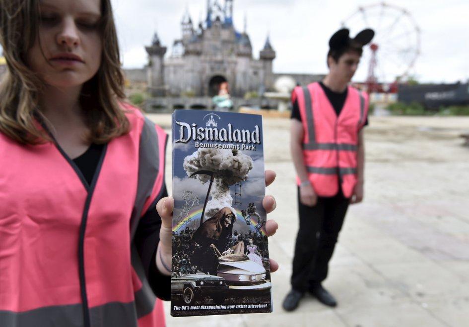 Banksy apre l'anti Disneyland, in Inghilterra il parco divertimenti della street art