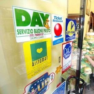 Buoni pasto, guerra di posizione tra consumatori e commercianti