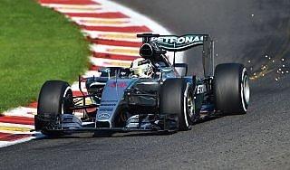 F1, Gp Belgio: Hamilton in pole, poi Rosberg. Disastro Ferrari, Vettel solo nono