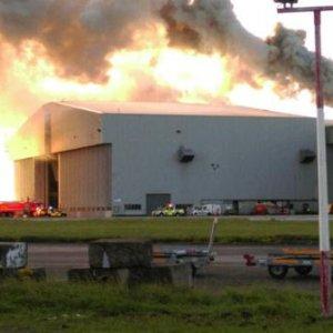 Irlanda, incendio in aeroporto Dublino: sospesi tutti i voli