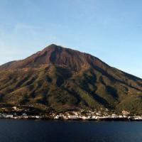 """A Stromboli il radar-laser che """"legge"""" i fumi del vulcano"""