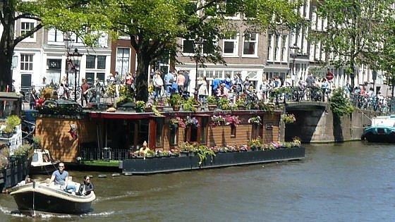 Amsterdam dall 39 acqua davvero slow for Case galleggianti amsterdam