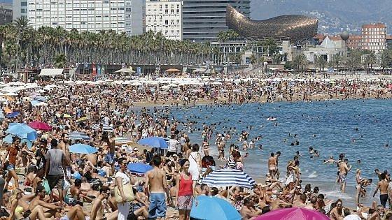 Barcellona e i turisti ora il sindaco colau attacca for Alloggi a barcellona